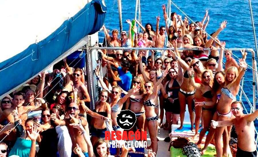 Fiesta en barco en Lloret de Mar 2 - Despedidas de soltera y soltero en Lloret de Mar